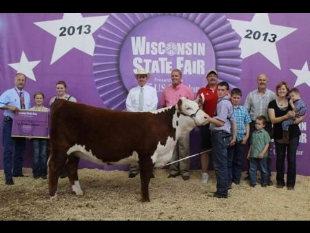 Dr. BJ Jones, DVM & Brett, Bailey, Riley and Lauren Jones, Wildcat Cattle Co. | Wisconsin