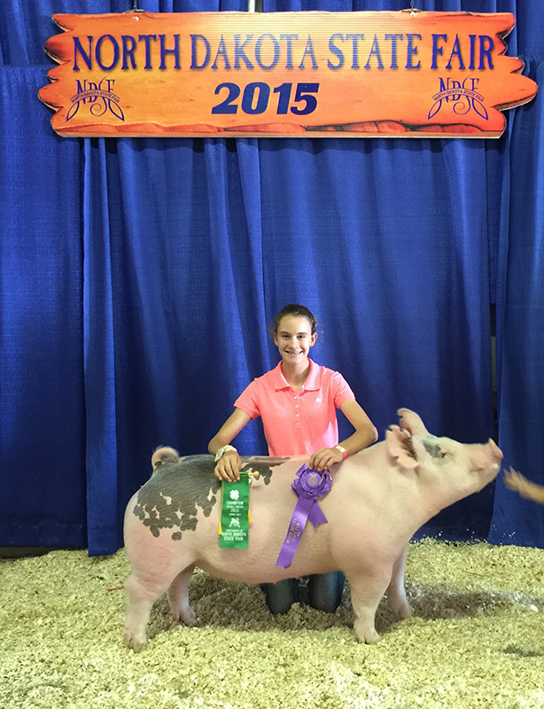 Lindsey Galbreath Grand CHampion Breeding Gilt ND State Fair – Erdmann