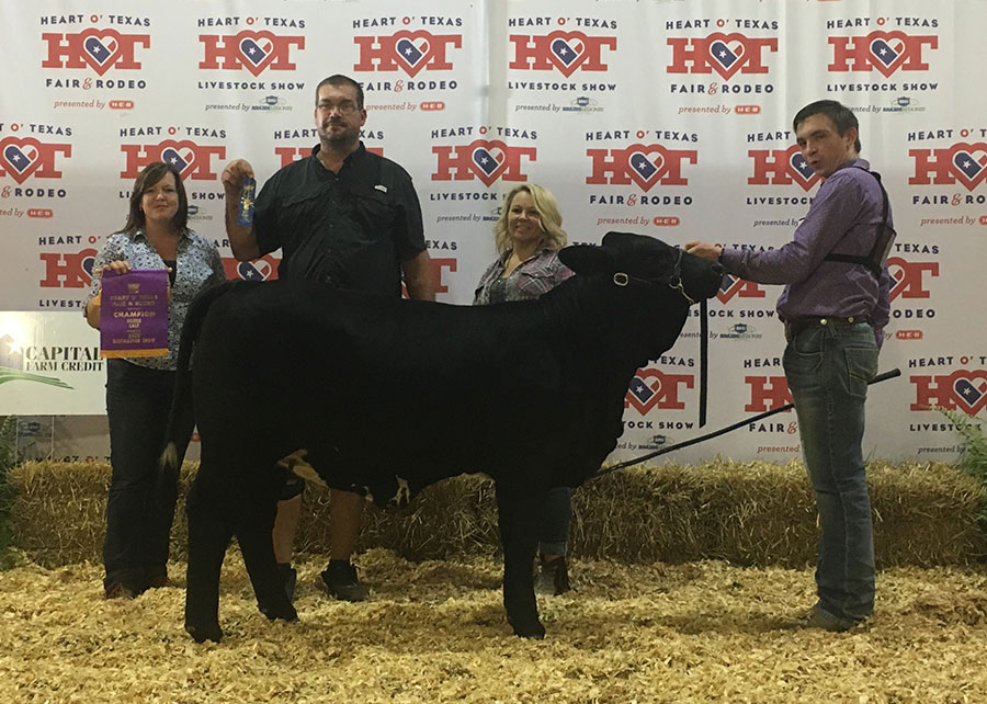 16-Champion-Beefmaster-Calf-HOT-Fair-and-Rode-Coby-Pritchett