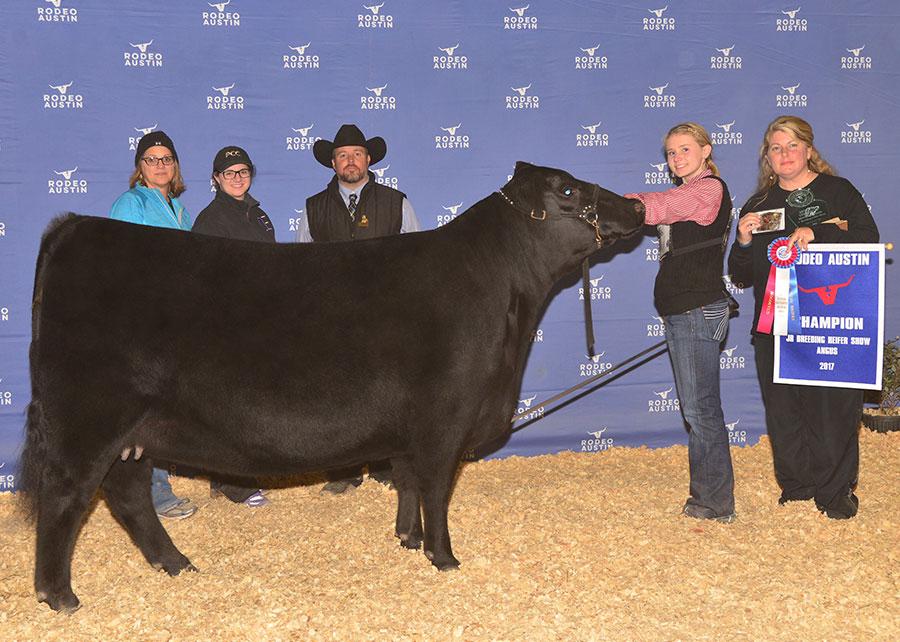 17-Grand-Champion-Angus-Heifer-Sarah-Beth-Brittain-Austin-Rode