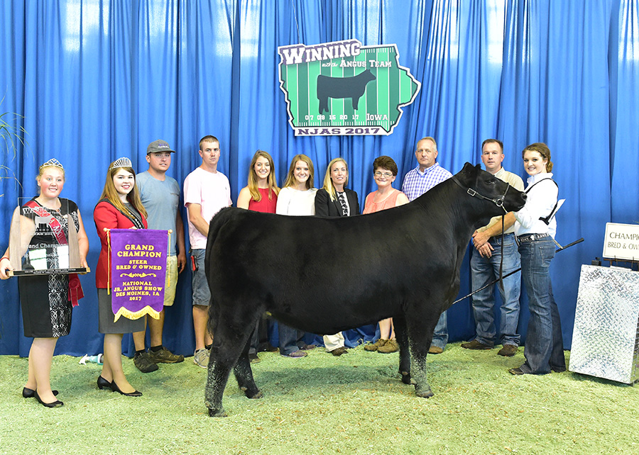 Grand Champion Bred & Owned Steer2017 National Jr Angus ShowShown by Sydnee Gerken