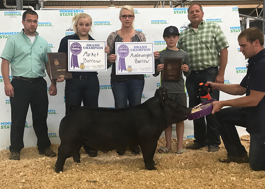 17-Grand-Champion-Mkt-Hog-Julia-Dykstra
