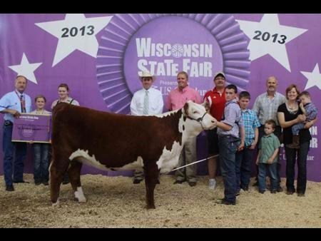 Dr. BJ Jones, DVM & Brett, Bailey, Riley and Lauren Jones, Wildcat Cattle Co. | Wisconsin