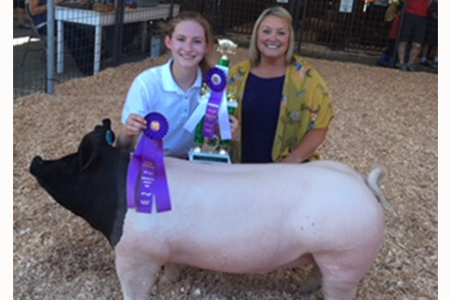 18 Washington County Fair, Grand Champion Market Hog, Shown by Diana Lewis Test