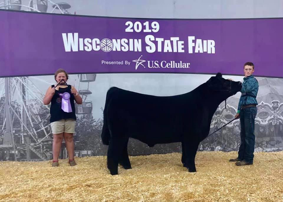 2019-Wisconsin-State-Fair-Reserve-CHI-Breed-Steer-Shown-by-Jaden-Papenfus copy